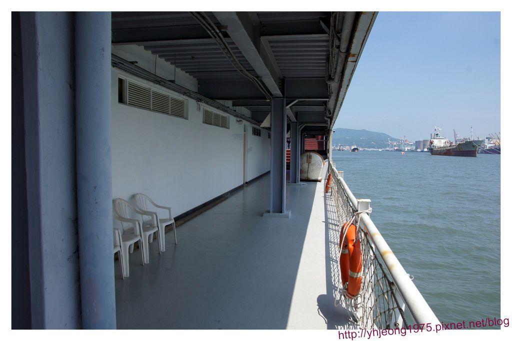 陽明高雄海洋探索館-船上的fu.jpg