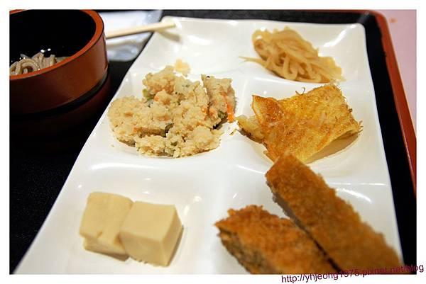 花小路-餐食1.jpg