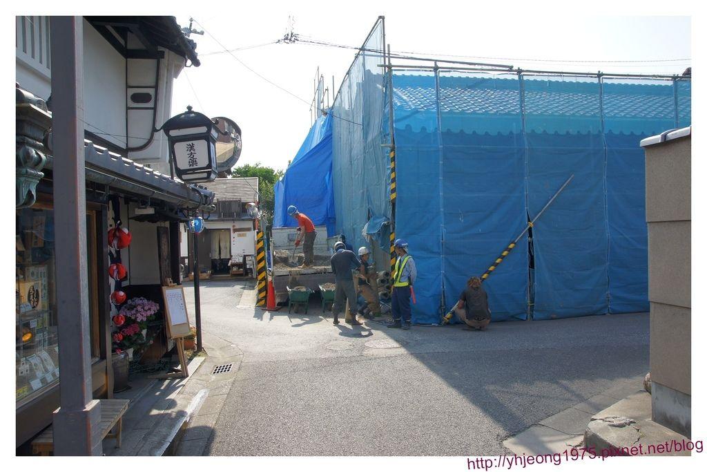 奈良町-修繕的房舍.jpg