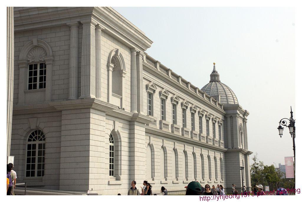奇美博物館-館體.jpg