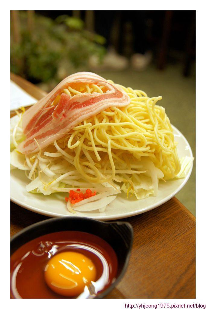 奈良大阪燒-豬肉炒麵材料.jpg