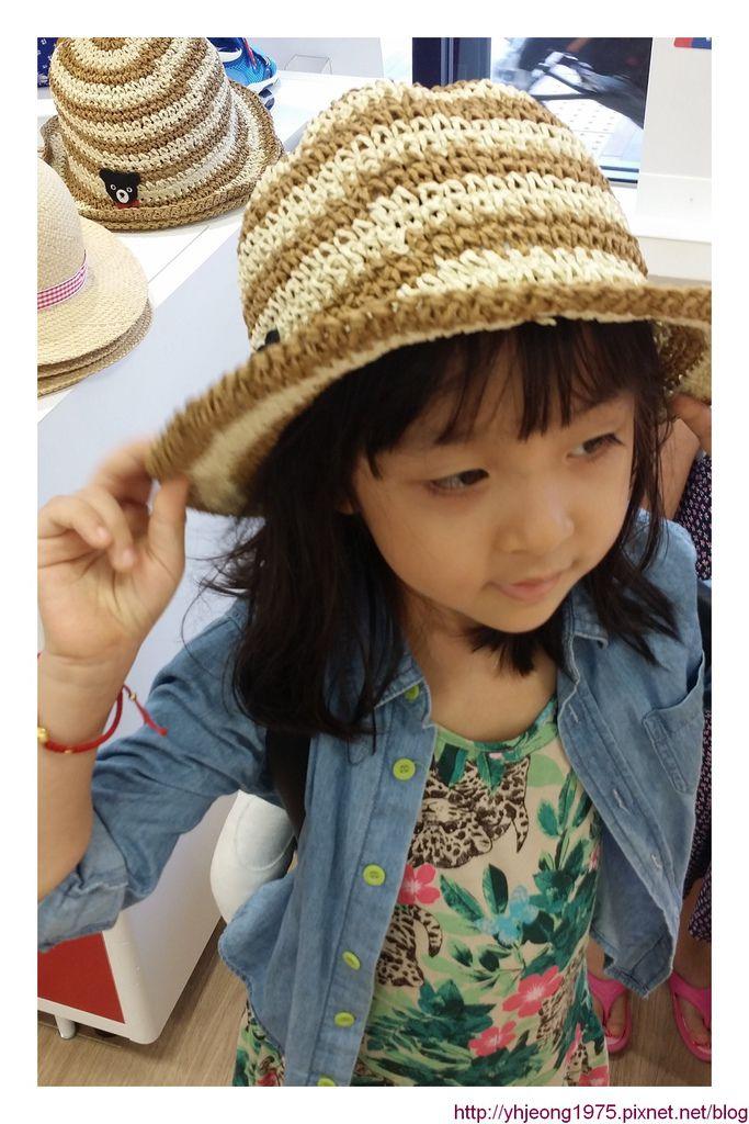 5Y1M-帽子可愛.jpg