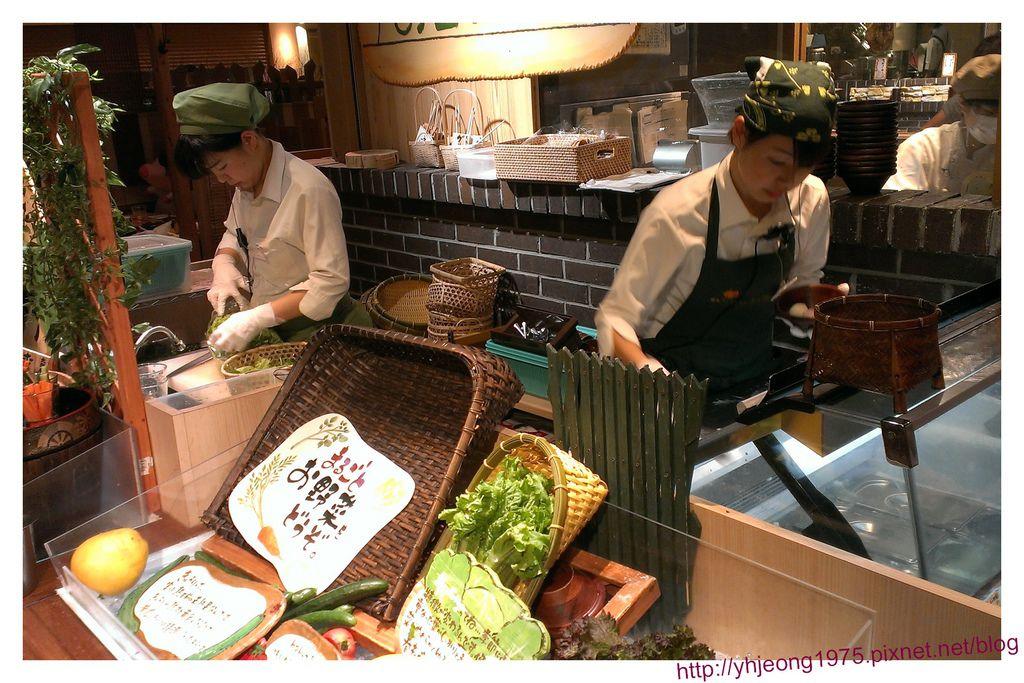 mokumoku農場餐廳-備餐.jpg