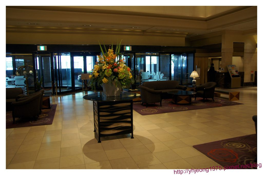 star gate hotel-大廳.jpg