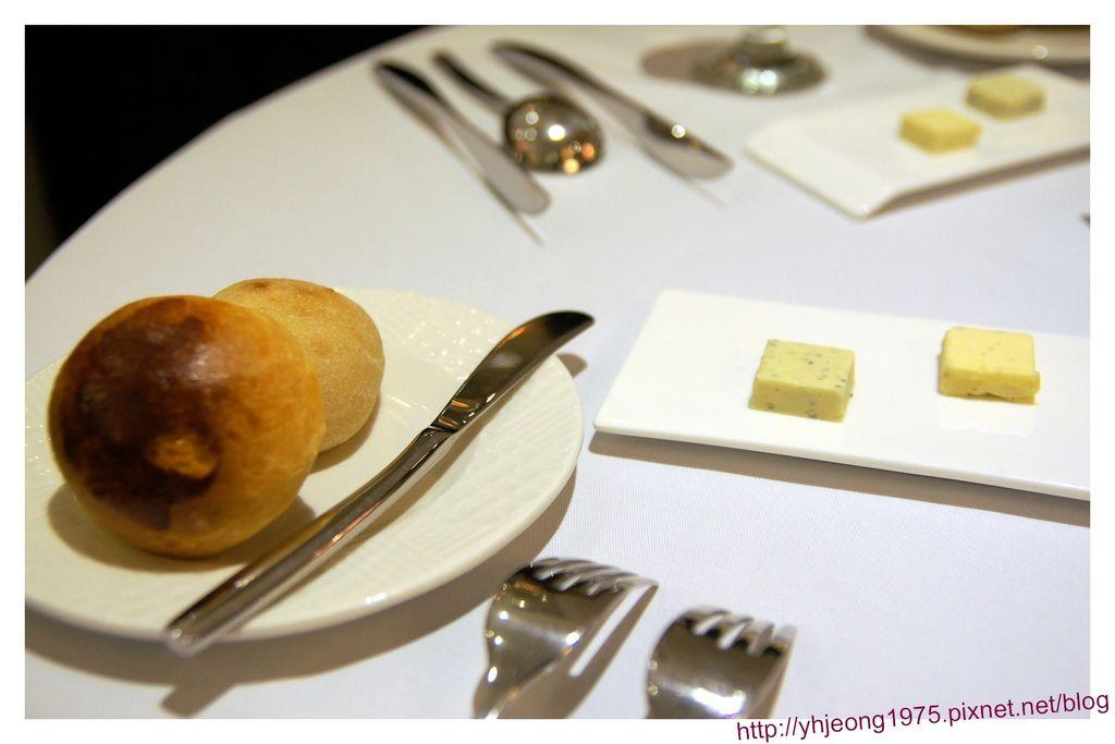 圓頂餐廳-麵包.jpg