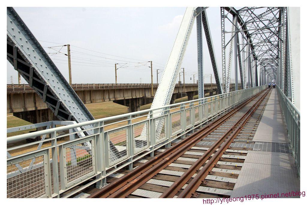 舊鐵橋-天空步道.jpg