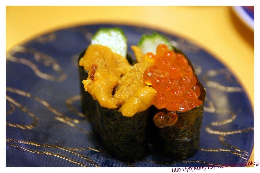 大起水產-海膽鮭魚卵壽司.jpg