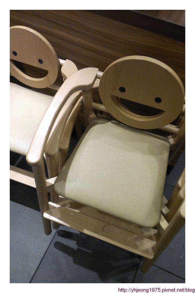 吉野家-兒童餐椅.jpg