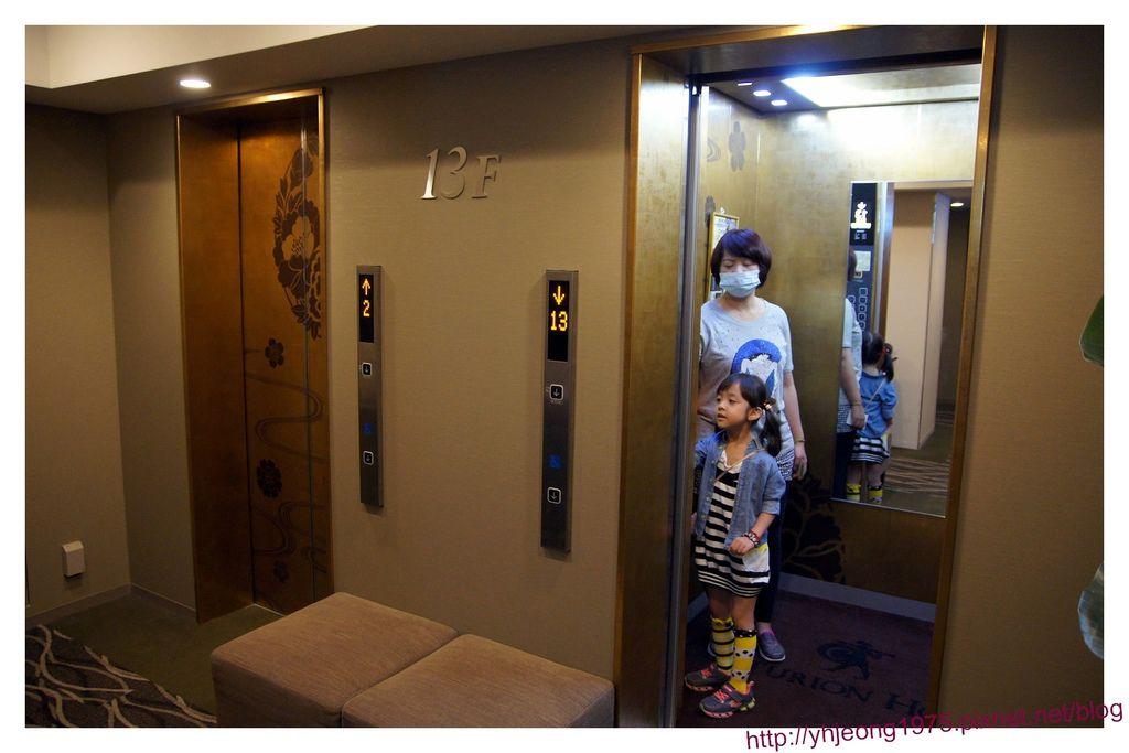 池袋百夫長-電梯.jpg