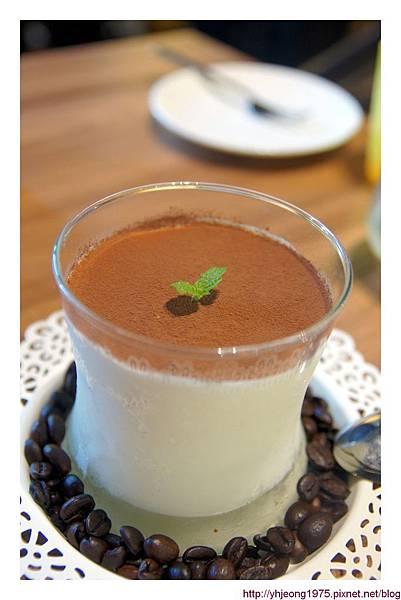 FrenchWindows茶餐館-義式提拉米酥冰激凌.jpg
