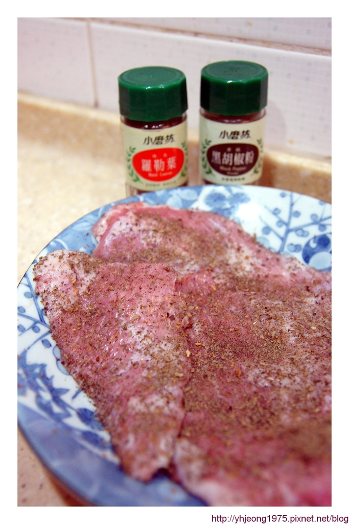 中央畜牧-香料醃松阪肉.jpg