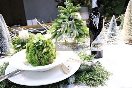 ‖聖誕晚宴‖ 夢幻的水晶球, 搖曳的燭光, 手工編織的聖誕環...... 大家攜手打造一个浪漫的聖誕晚宴。 ------------------------