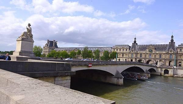 活生生活在巴黎!
