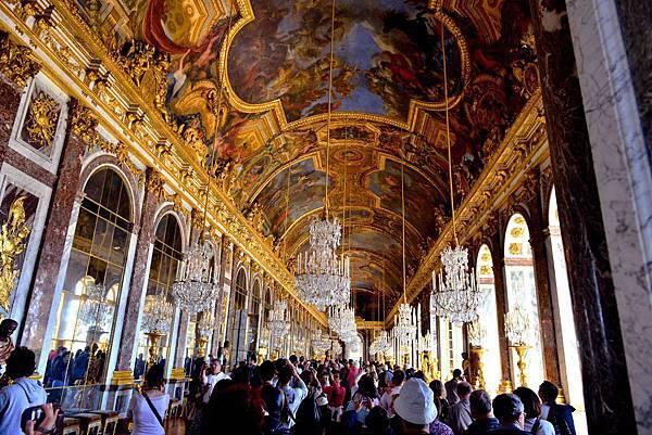 法國 凡爾賽宮最大最眩目也是歷史事件的發生地----鏡廳