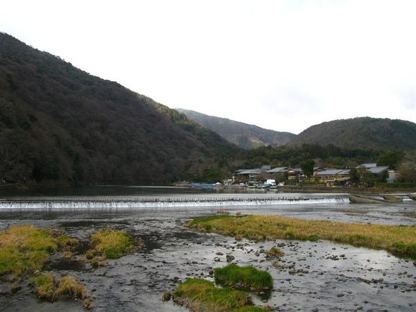 渡月橋上看桂川