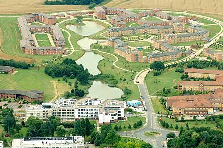 Warwick 1.jpg