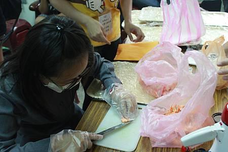 學員參與美食製作
