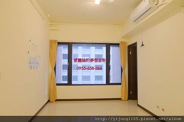 國賓大悅18F-客廳.JPG