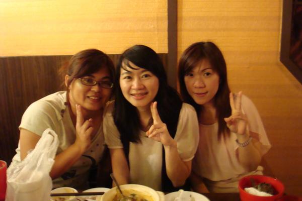 我們是陳氏三姐妹^^