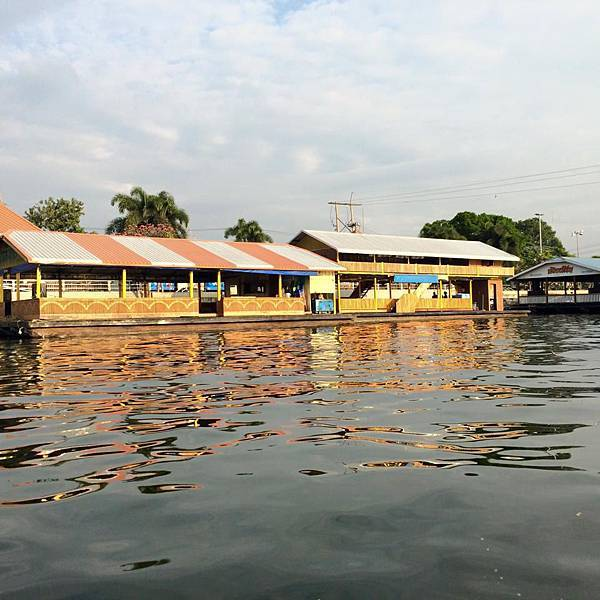 泰國北碧kanchanaburi到tessabal pess遊河