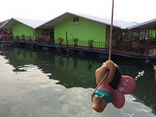 泰國北碧kanchanaburi-tessabal pess水上屋住宿