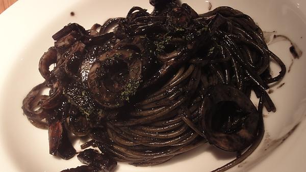 威尼斯墨魚細麵