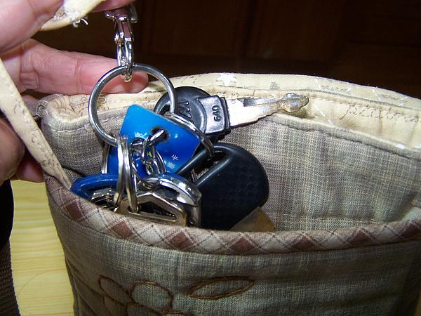 B21前口袋放鑰匙.JPG