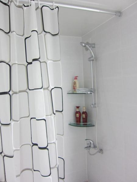 洗澡的地方跟廁所有隔開來