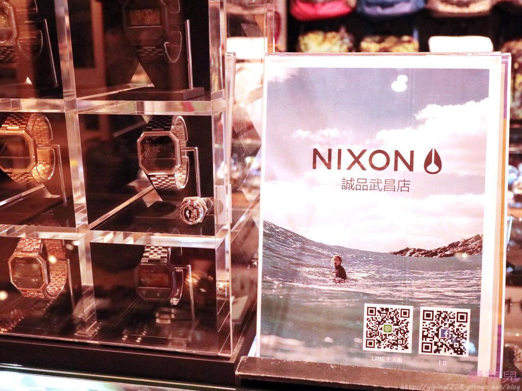 NIXON玫瑰金手錶