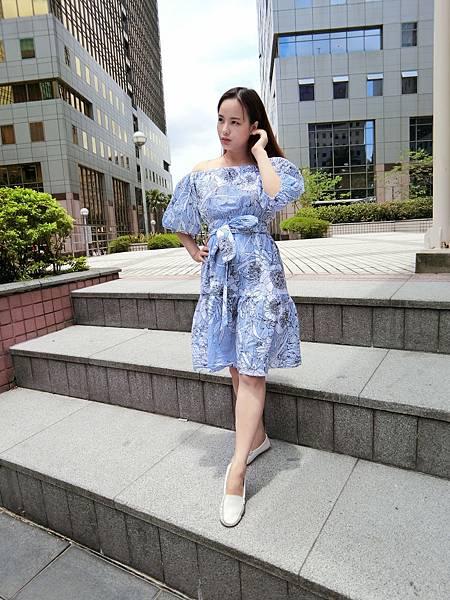最新洋裝/ONE PIECE/一字領