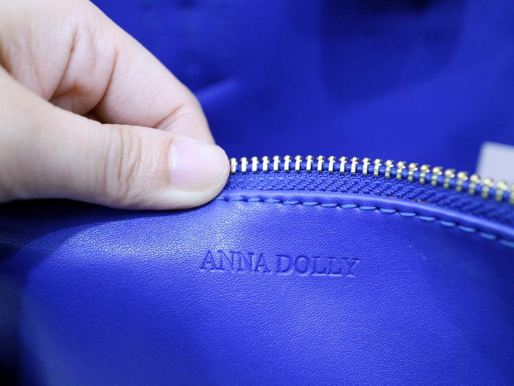 ANNA DOLLY