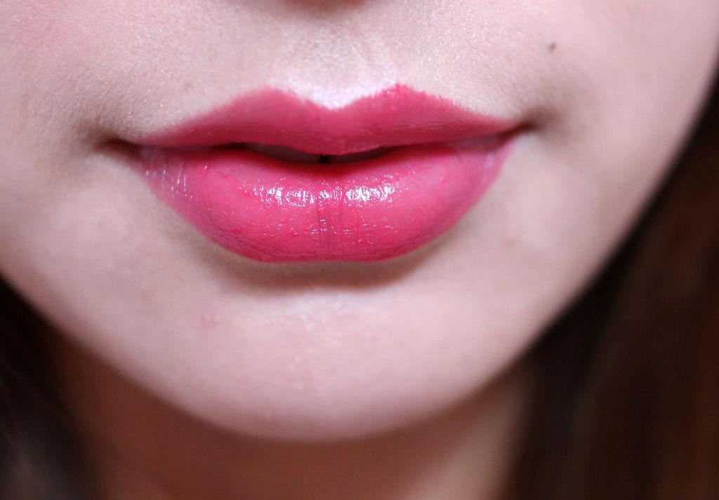 LOREAL水凝釉光唇膏