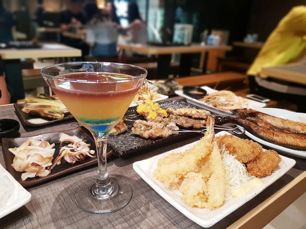 串燒殿西門町居酒屋499起吃到飽→串燒、生魚片、炸物、飲料無限續-夜晚聚餐新選擇-