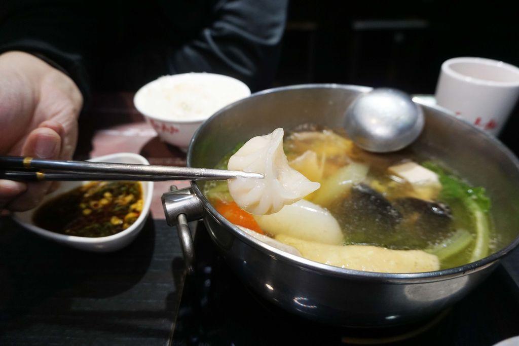 紅九九個人鴛鴦鍋