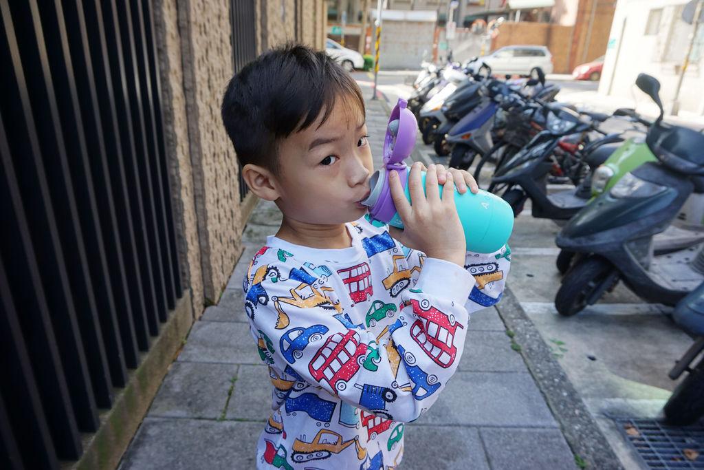 兒童水壺推薦/gululu 水精靈 讓你的小孩自然而然愛上喝水