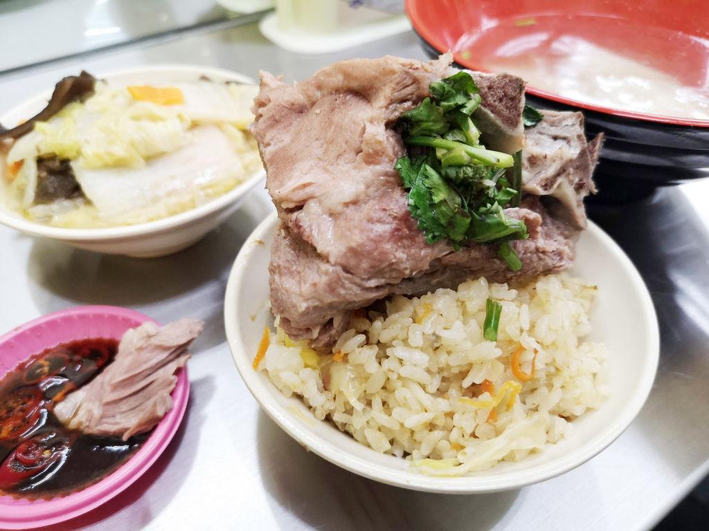 龍山寺美食/阿豆師原汁排骨湯