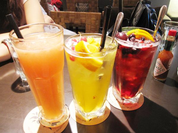 鮮榨葡萄柚汁+茉香蜜桃冰茶+香蘋葡萄冰茶