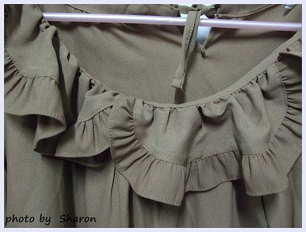 韓國 大小姐系大方簡約荷葉領後綁帶大袖造型咖色上衣-5.JPG