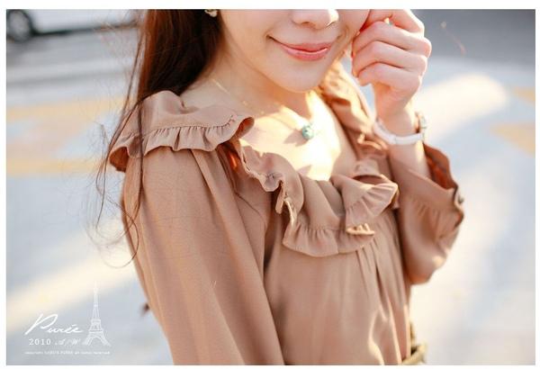 韓國 大小姐系大方簡約荷葉領後綁帶大袖造型咖色上衣-2.jpg