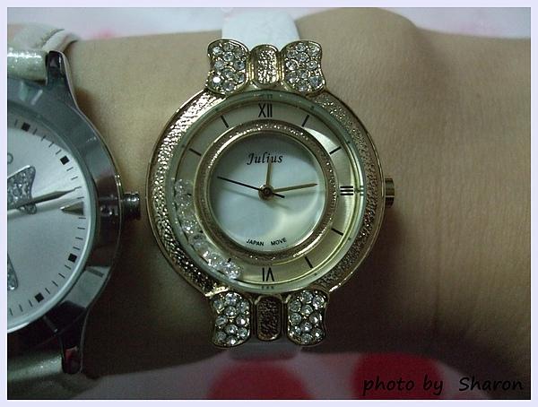 韓國左岸記事特色金屬鑽飾蝴蝶結典雅感滑動水鑽亮面壓紋圓錶-7.JPG