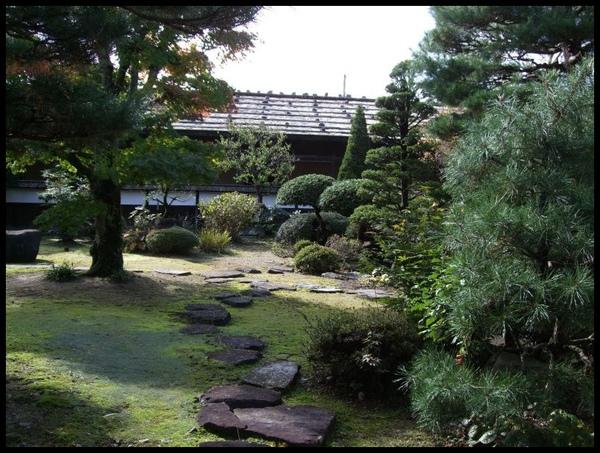 庭園一角.jpg