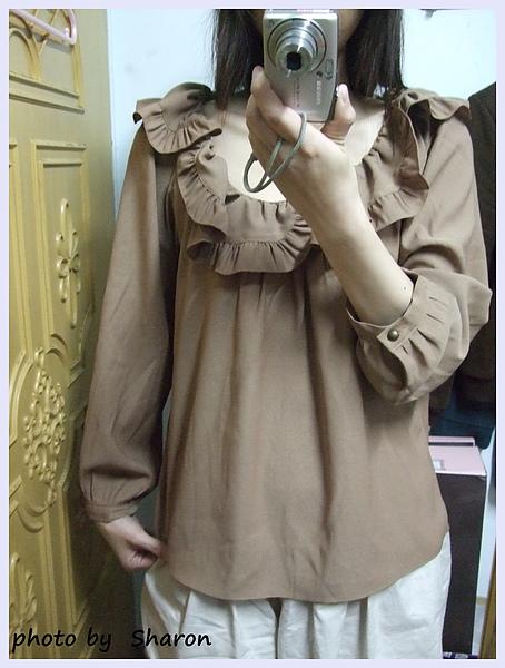 韓國 大小姐系大方簡約荷葉領後綁帶大袖造型咖色上衣-6.JPG