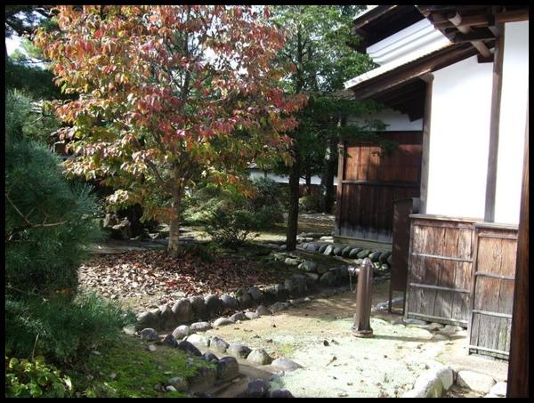 庭園一角1.jpg