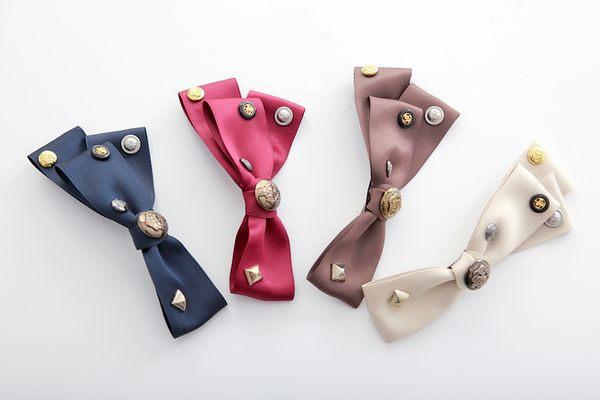 韓國甜感軍風皇家感特色鉚釘小扣造型不對稱緞帶蝴蝶結造型大髮夾-1.jpg