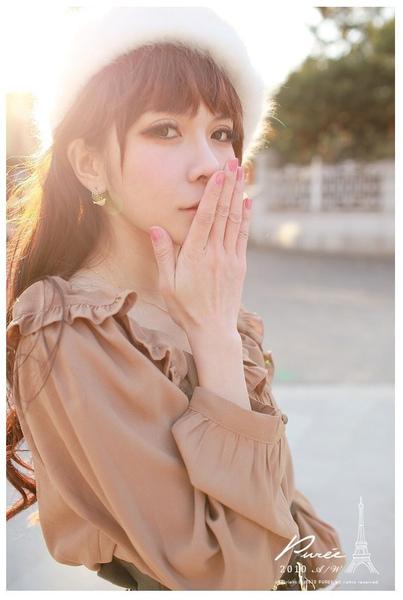 韓國 大小姐系大方簡約荷葉領後綁帶大袖造型咖色上衣-1.jpg