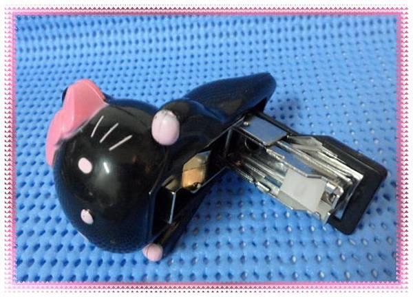 kitty訂書針-1.JPG