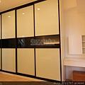 衣櫃-鋁框門-霧黑色-烤漆玻璃4469