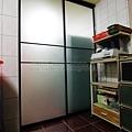 廚房-隔間拉門-霧黑噴砂-落地-龍井.jpg