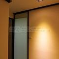 浴室-防水白膜玻璃門-霧黑-懸吊-彩虹城2.jpg