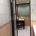 廚房-折門-咖啡色-懸吊-4879-河南東3.jpg